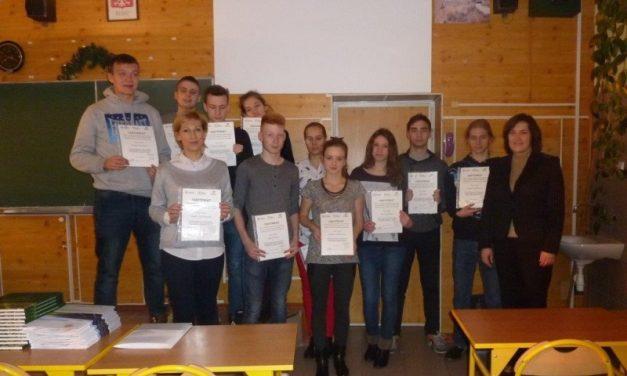 Uczniowie Henrykówki odebrali Certyfikaty.